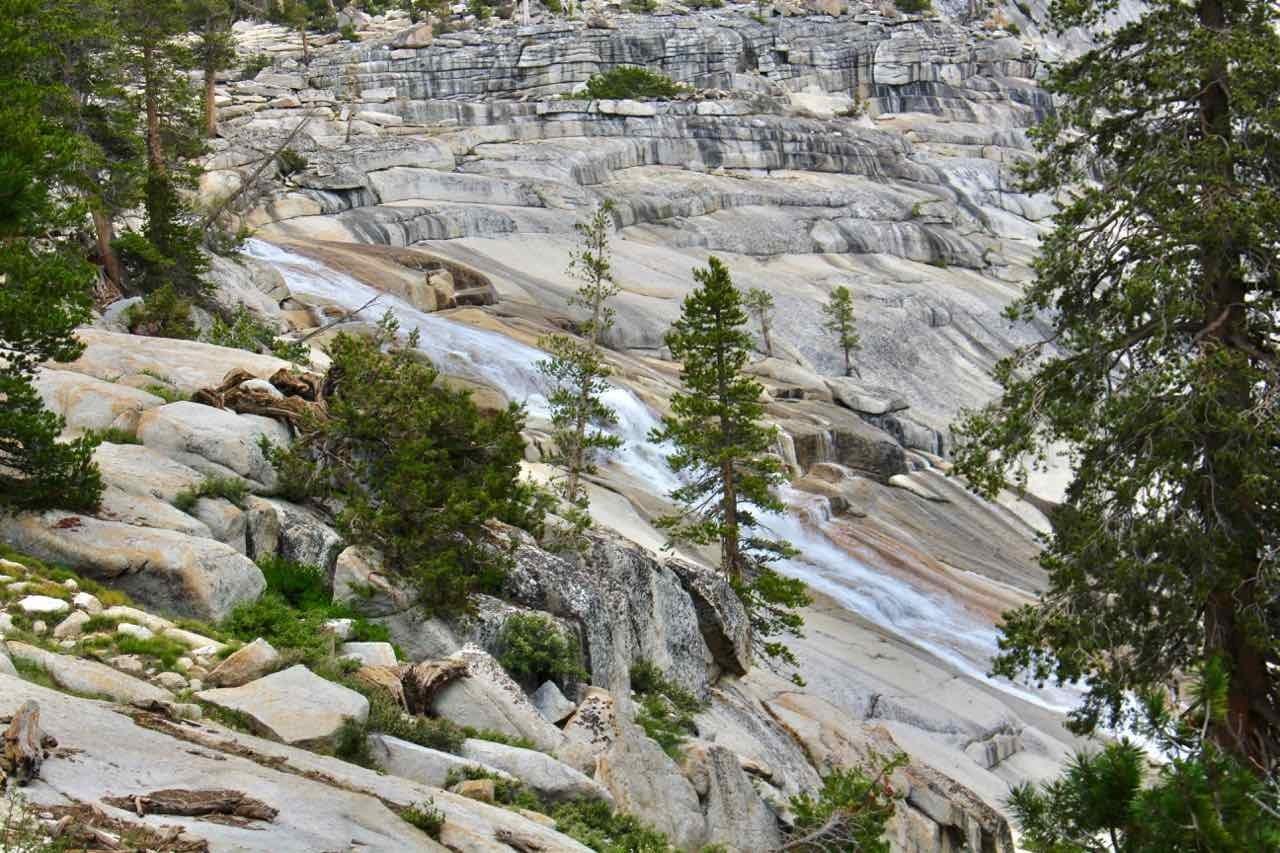 Picture 23 of John Muir Trail (Duck Pass Trailhead to Vermillion Valley Resort)